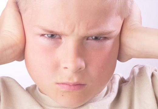 Koppig boos een kinderlijke reactie