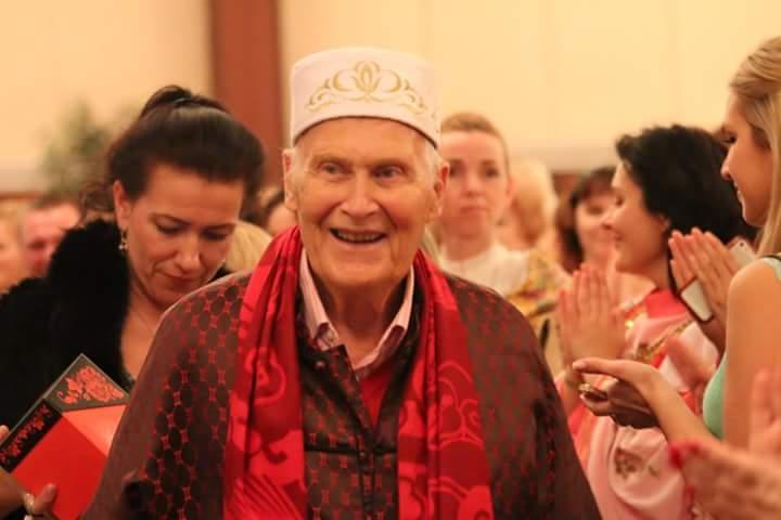 Bert Hellinger in 2015 op zijn 90ste verjaardag