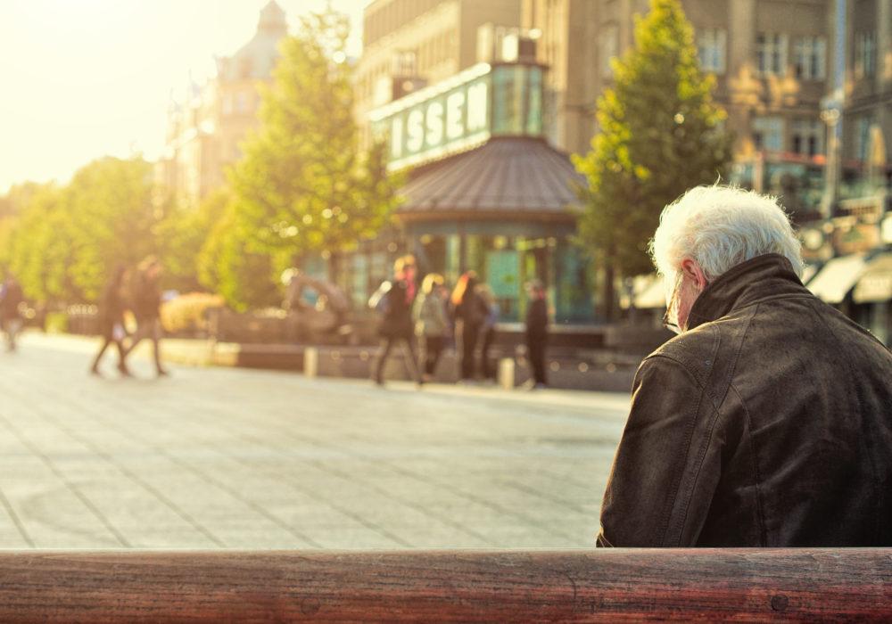 """Bejaarden massaal de straat op: """"Maak ons weer relevant!"""""""
