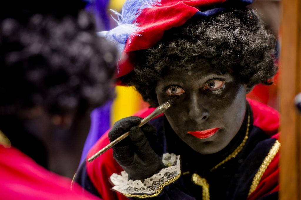 Chaos op de arbeidsmarkt! Zwarte Pieten massaal op zoek naar nieuw werk.